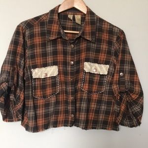 BKE,  L cropped flannel snap button shirt